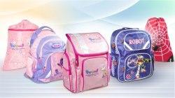 Из чего шьют школьные сумки и рюкзаки?