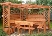 Садовая мебель из дерева - уютное местечко для отдыха